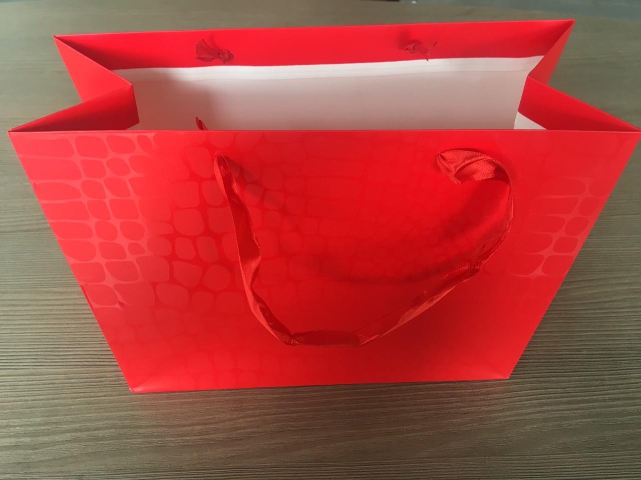 Пакет подарочный Крокодил красный  32x26