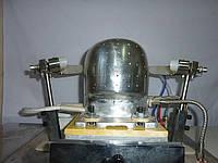 Автоматическая машина для формовки бейсболок и кепок со встроенным устройством  пароподачи.