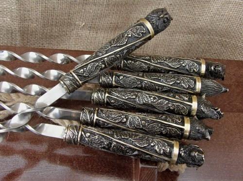 """Подарочный набор шампуров с бронзовыми ручками """"Дикие звери """" в кейсе из натурального дерева"""