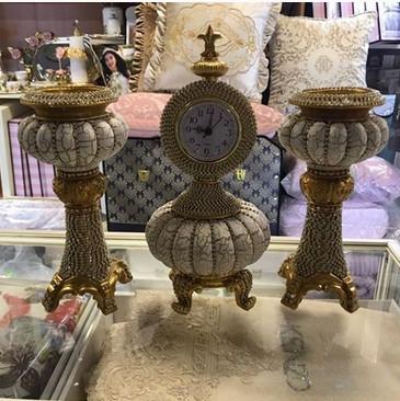 Набір годинник і свічники