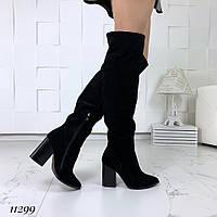 Демисезонные замшевые черные ботфорты на каблуке , фото 1