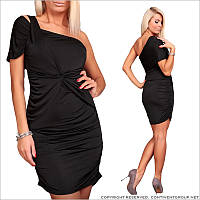 Обтягивающее черное платье