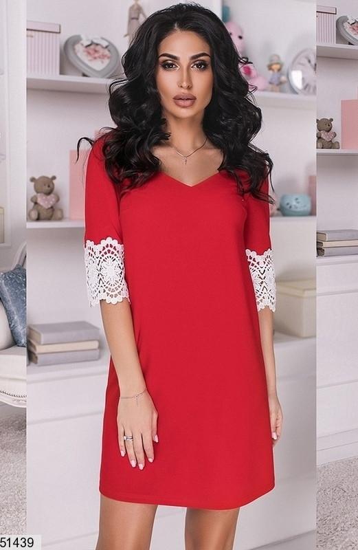 Модное платье мини прямое короткий рукав кружевное макраме красного цвета
