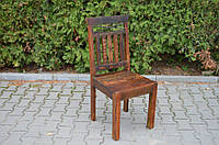 Indyjskie drewniane krzesło
