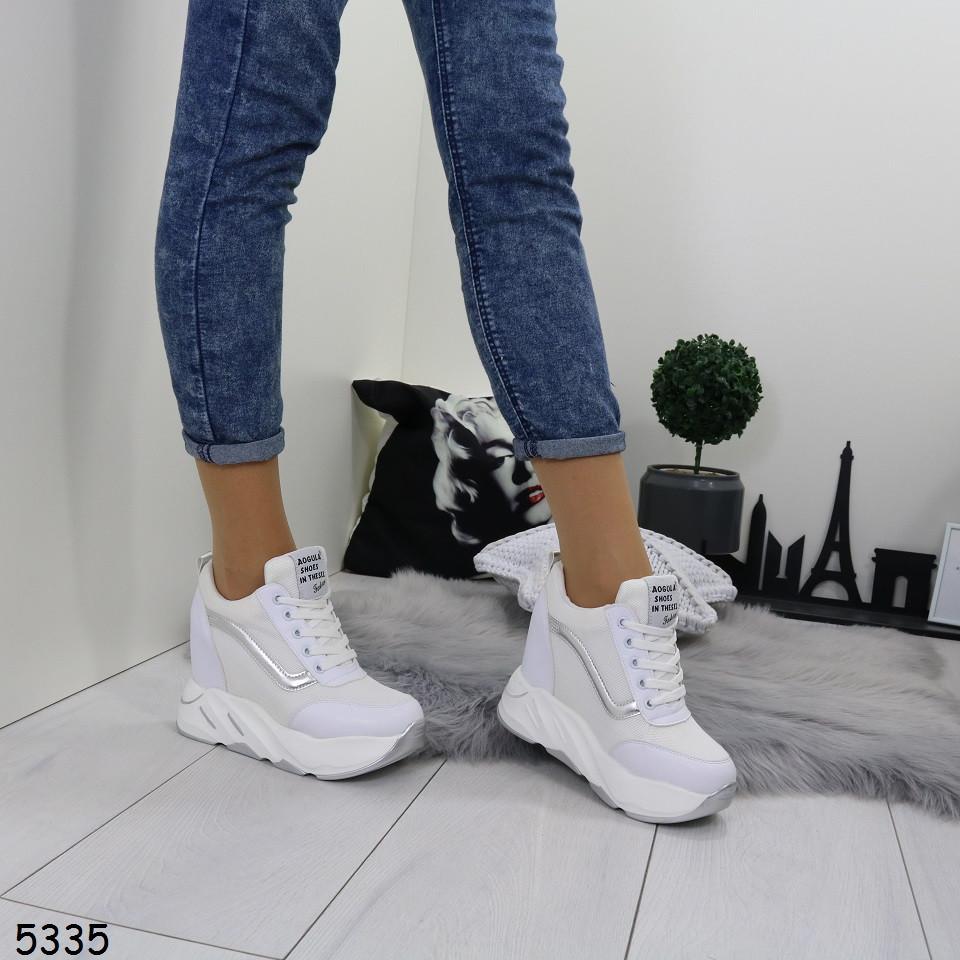 Женские текстильные кроссовки сникерсы белые с серебром