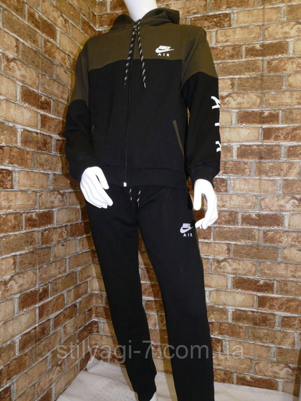 Спортивный костюм для мальчика 13-16 лет хаки с черным цвета на змейке с капюшоном Nike оптом