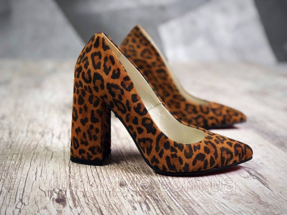 38 размер Леопардовые женские туфли на каблуке натуральный замш