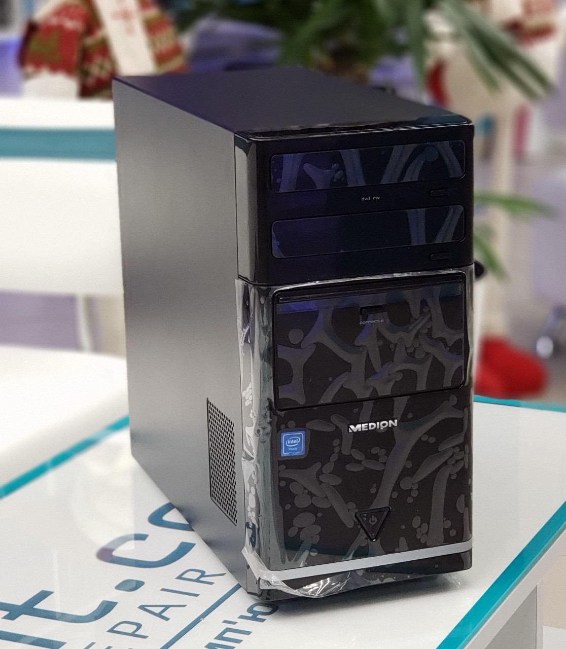"Настольный компьютер Medion Akoya E5067 D N3150/4GB DDDR3L/320Gb/DVD RW  ""Over-Stock"""