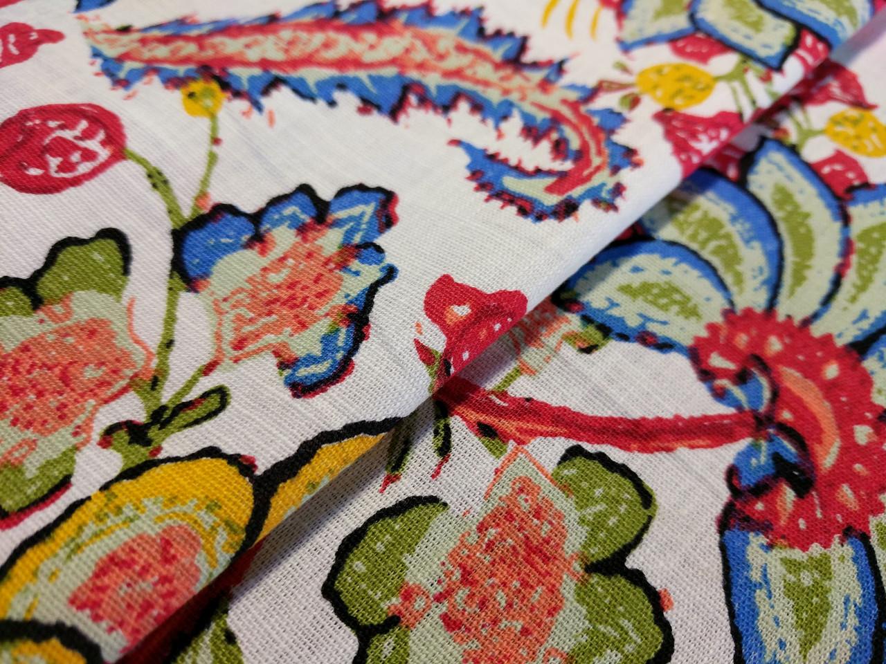 Лен стрейчевый яркие цветы, красные на белом