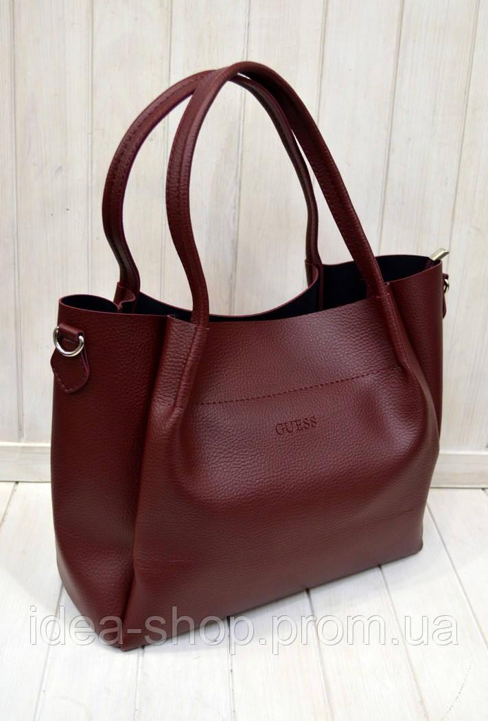 123637a89340 Бордовая сумка шоппер вместительная из экокожи через плечо Guess -  интернет-магазин