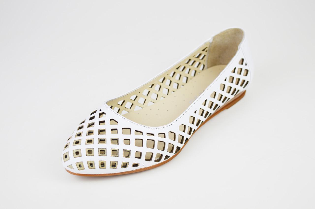 35a374f36 Белые перфорированные балетки Evromoda 388 - КРЕЩАТИК - интернет магазин  обуви в Александрии