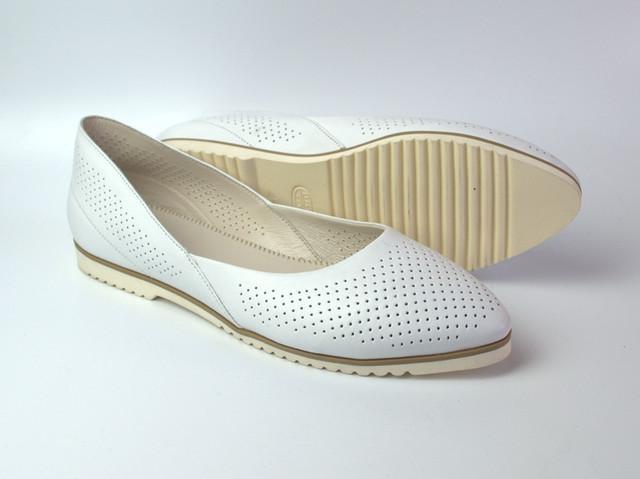 Белые балетки кожаные женская обувь Scara V White Perf Leather by Rosso Avangard летние