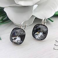 Сережки из серебра 925 пробы с кристаллами Swarovski в серебристо-чёрном насыщенном оттенке