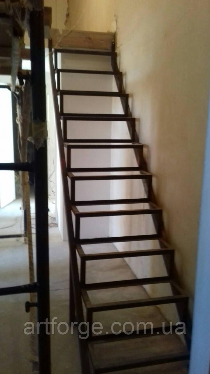 Металлоконструкция лестницы в квартиру или дом
