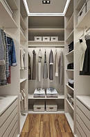 П-образная гардеробная комната белая на заказ  с подсветкой