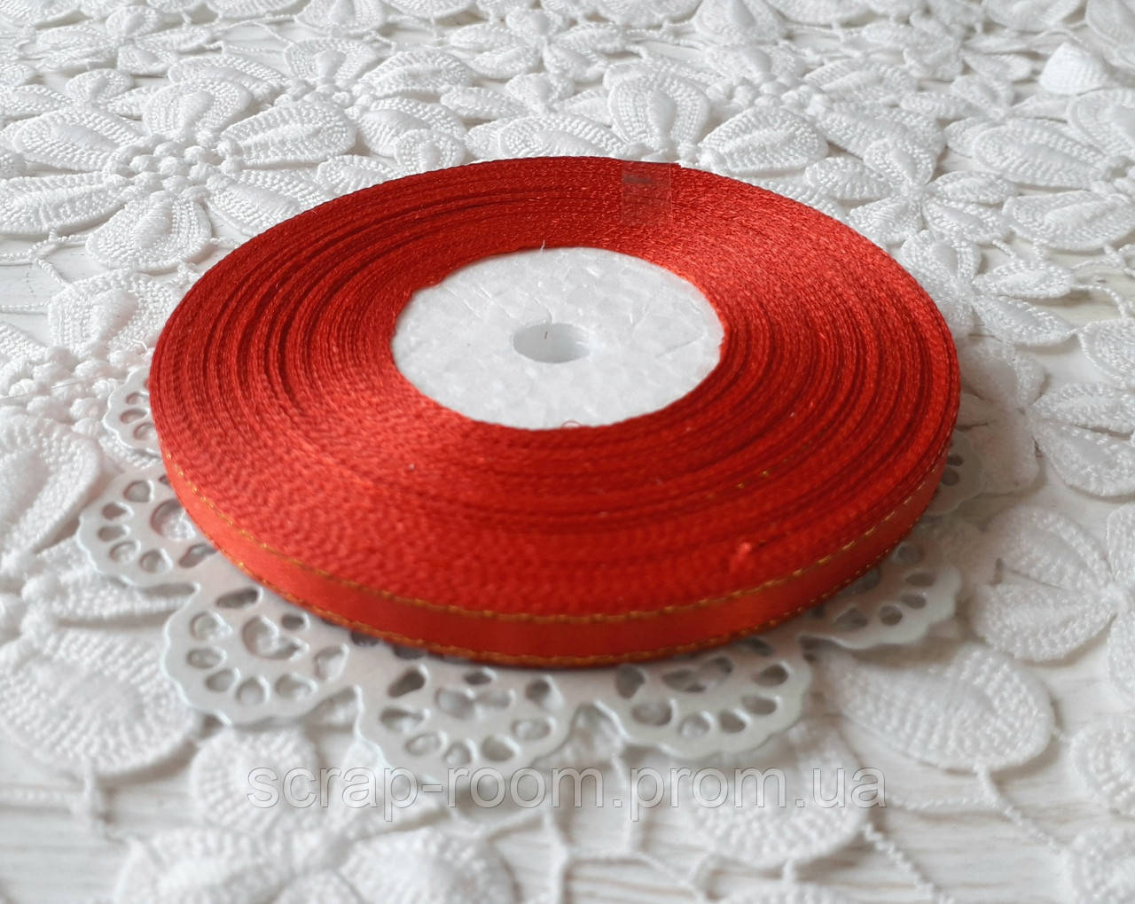Лента атласная 0,6 см красная с люрексом золото, лента с люрексом, лента атласная красная люрекс, цена за метр