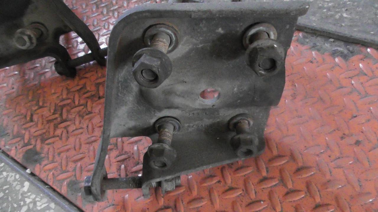 15295279 / 15295280 Кронштейн рессоры левый / правый  оригинал в отличном состоянии Hummer H3.В наличии!