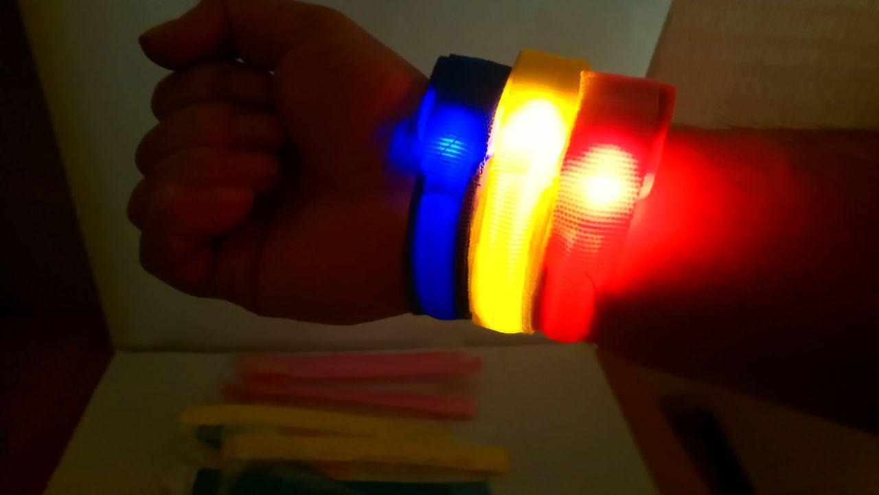 Светящийся браслет