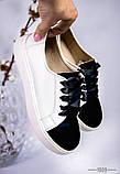 Белые женские кожаные кеды с черными лаковыми вставками, фото 2