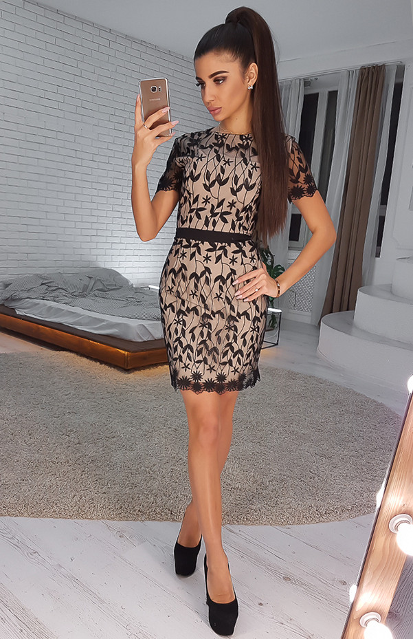 8046396d96b Черное кружевное платье-футляр с короткими рукавами VL4823 S. Размер 42. -  Чулочно