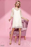 Трендовое платье-сетка