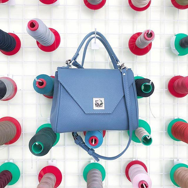 Женская кожаная сумка голубой 24 х 18 х 10 см