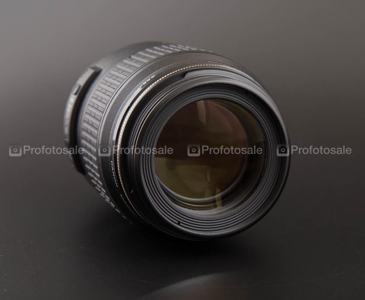 Canon EF 100 mm 1:2.8 Macro USM