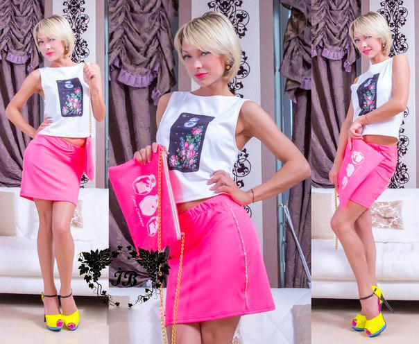 Женский модный костюм с сумочкой
