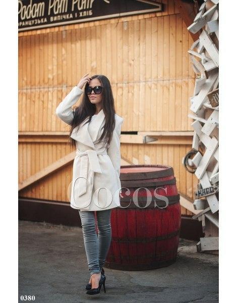 Пальто жіноче біле