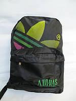 Спортивный рюкзак Adidas с цветной эмблемой