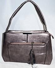 Сумка зі шкірозамінника жіноча 31*22 см бронзова спереду з кишенею на блискавці з пензликом