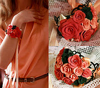 """Браслет на руку для девушки с цветами """"Кораллово-чёрные розы"""""""