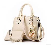 b8ec3fc5aaf4 Стильная женская сумка Valenkuci белый с косметичкой и брелком