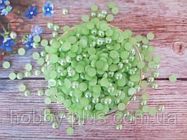 Полубусины перламутровые, 8 мм, цвет салатовый, 10 грамм (74-80 шт)