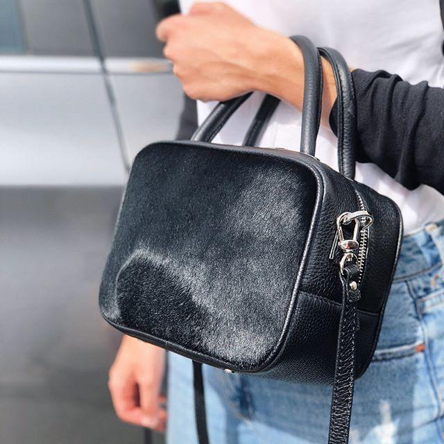 Женская кожаная прямоугольная сумка черная