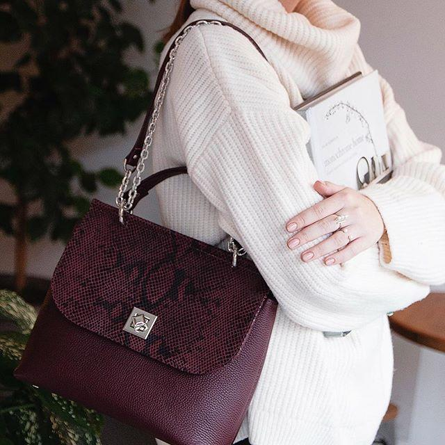 Женская кожаная сумка фиолетовая