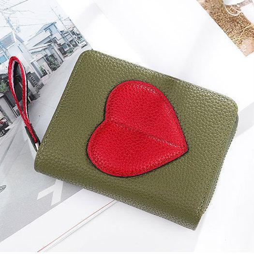 зеленый кошелек с сердцем