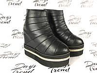 Стильные женские ботинки ботильоны на платформе для модных девушек Черный