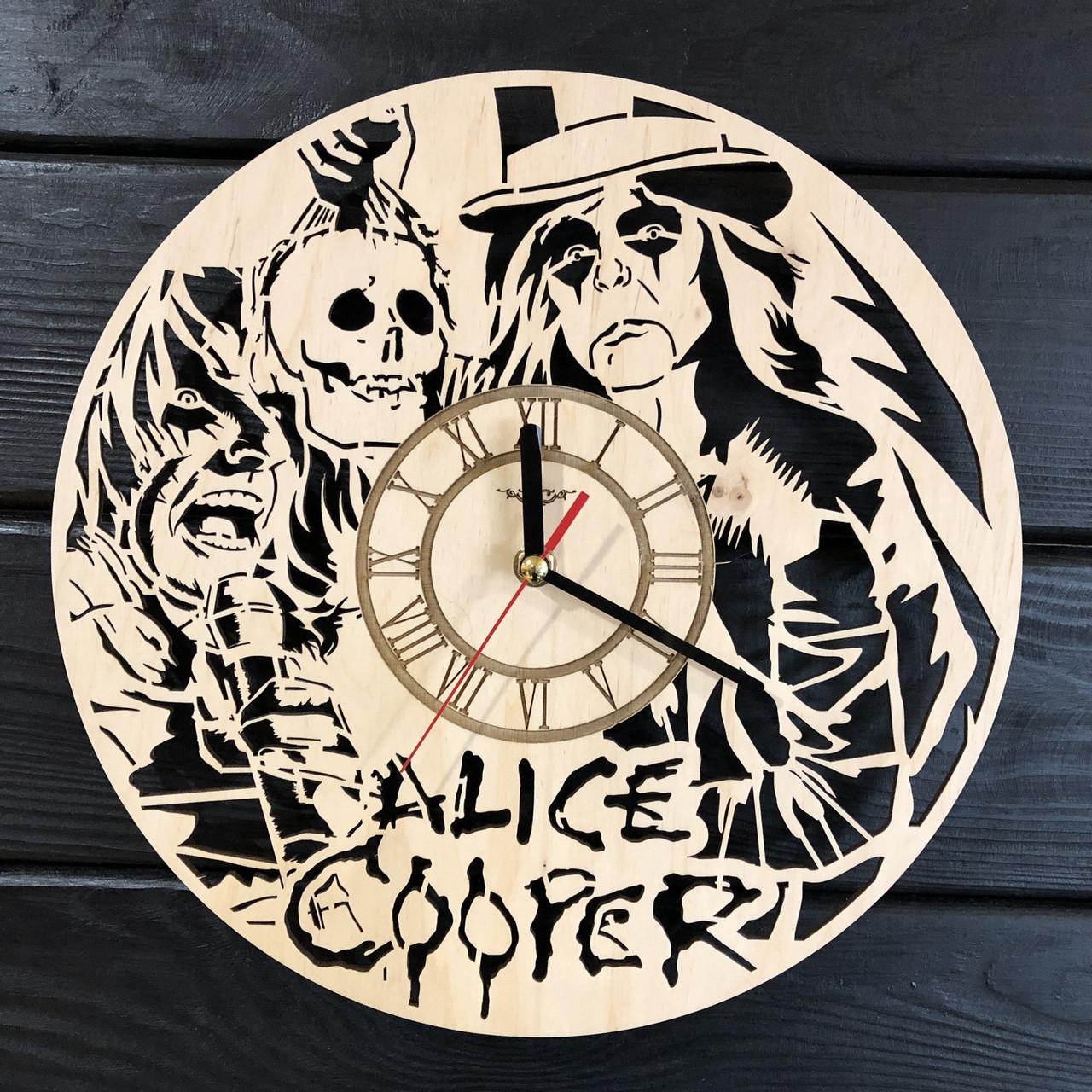Концептуальные настенные часы в интерьер «Alice Cooper»