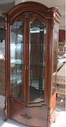 Вітрина (сервант) у вітальню 2дв. в класичному стилі, вітальня 8627 CF Olberg