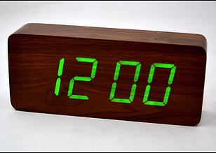 Настольные часы с зеленой подсветкой VST-865-4. Брусок дерева