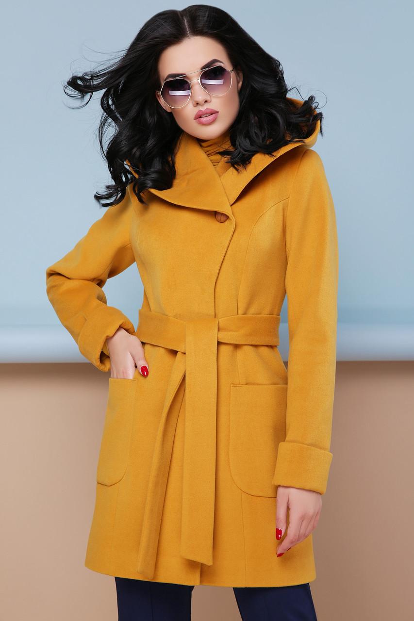 Короткое пальто демисезонное шерстяное с капюшоном