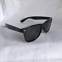 Солнцезащитные очки Полароид Ray Ban Wayfarer черный глянец