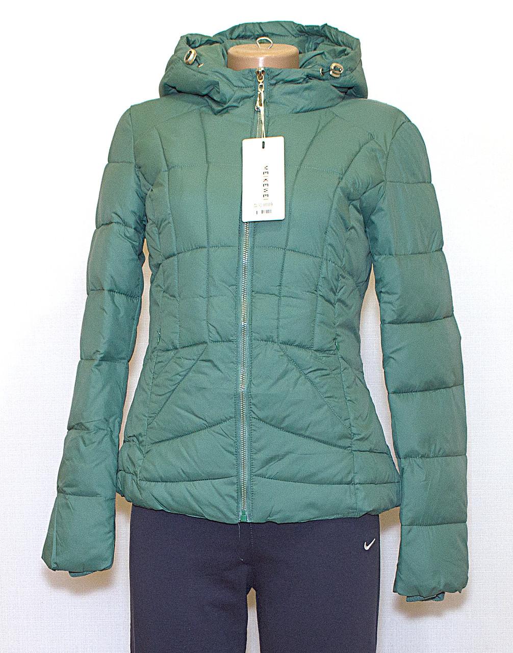 Куртка приталенная короткая
