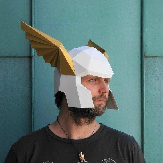 Papercraft Крылатый шлем (геральдический)