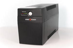 ИБП Logicpower LPM-700VA-P (490Вт)