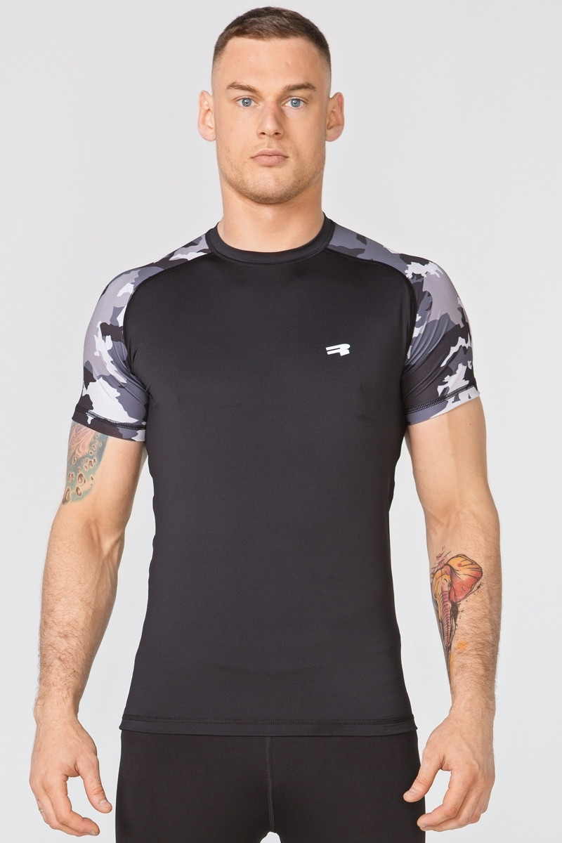 Размер XL Компрессионная спортивная футболка Rough Radical Furious Army SS  (original), мужской рашгард