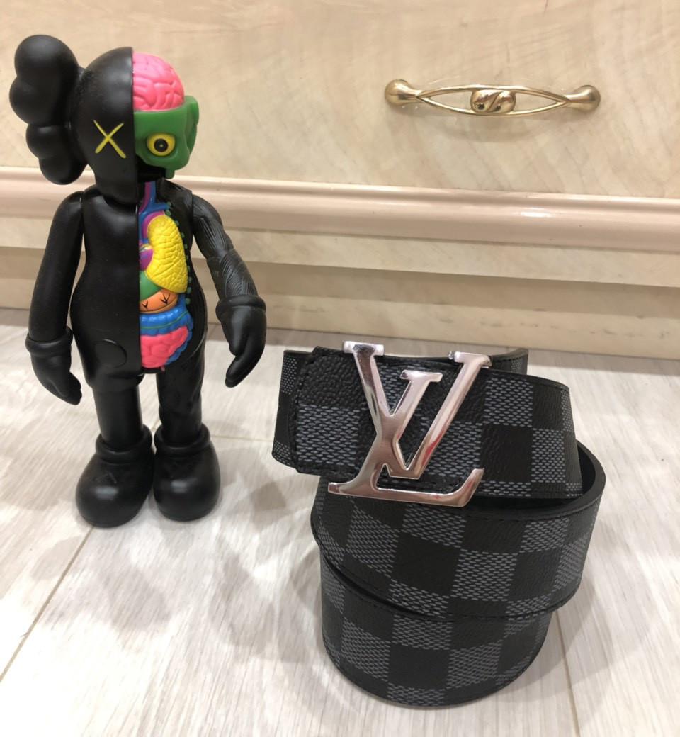 Ремень Louis Vuitton D6415 серо-черный