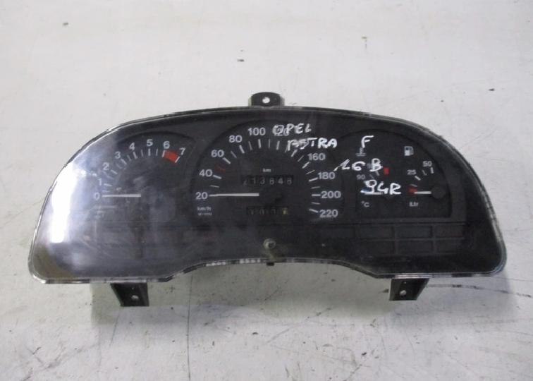 Панель приборов/спидометр Opel Astra F