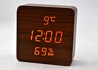 Настольные часы с оранжевой подсветкой VST-872S-3. Брусок дерева